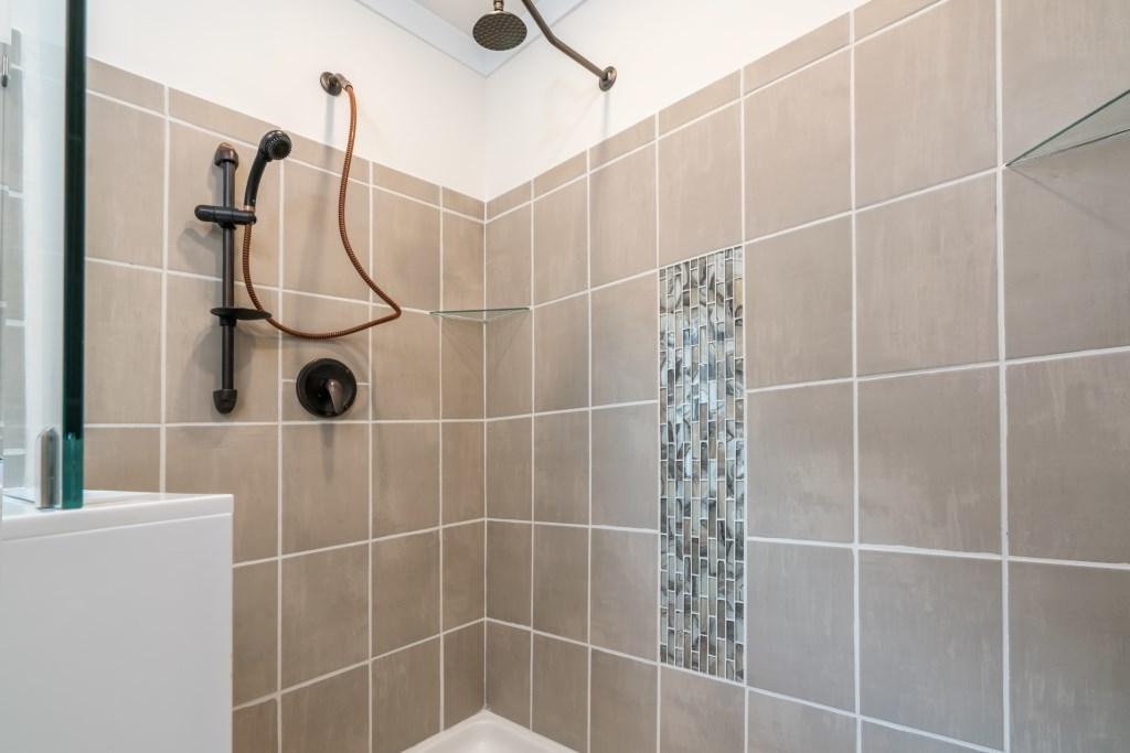 4' x 6' Walk-in Ceramic Tile Shower   MidCountry Homes